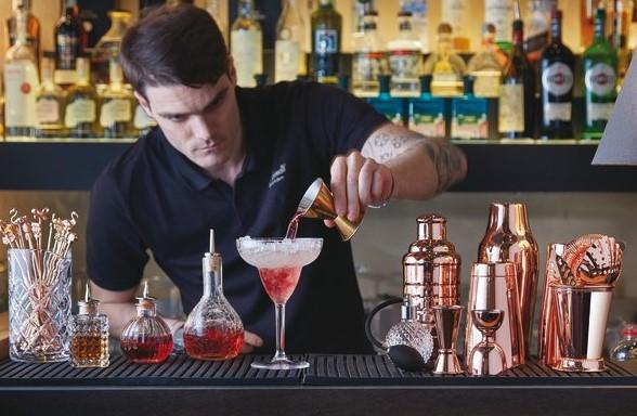 Bar & Cocktail